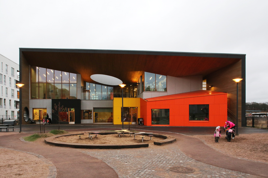 Uusia kouluja Helsingin seudulla